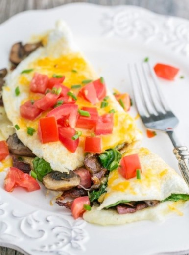 Tortilla de espinacas, champiñones, tomate, clara de huevo