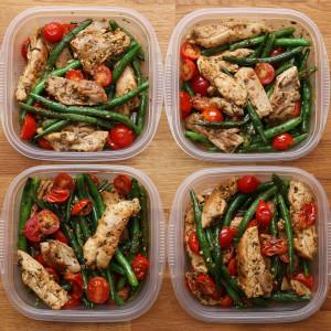 Pesto de pollo y verduras